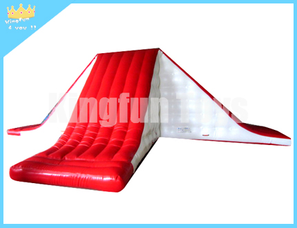 Airtight inflatable water slide