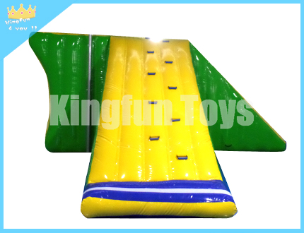 Air-sealed jumping water platform