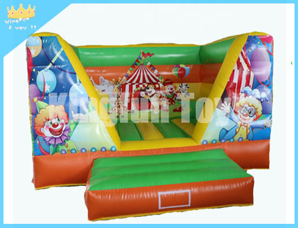 Canival inflatable jumper